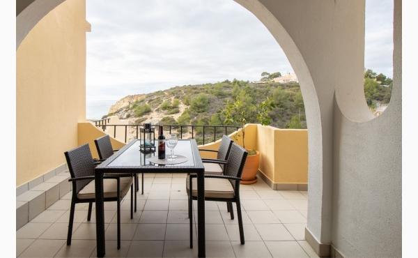 Essplatz auf der Terrasse Dining area on the terrace
