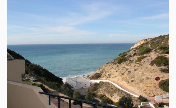 Blick von der Terrasse auf den Strand von Vale Centeanes / Sea view