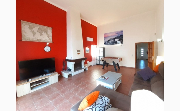Wohnzimmer mit Flachbildfernseher / livingroom