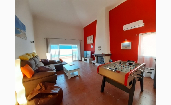 Wohnzimmer mit Tischfußball / livingroom