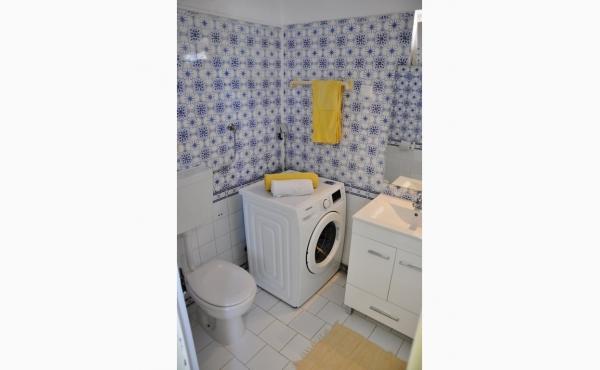 Badezimmer / Bathroom