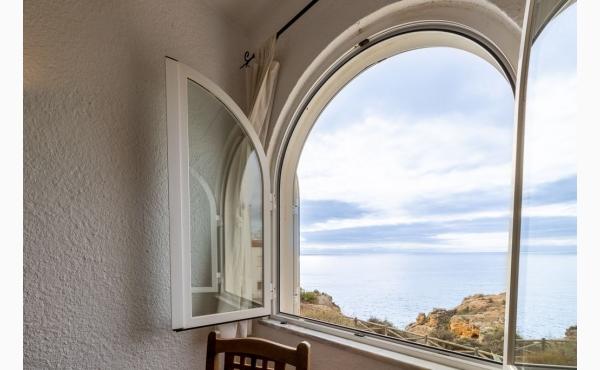 Meerblick aus dem Wohnzimmer / Sea view from the Livingroom