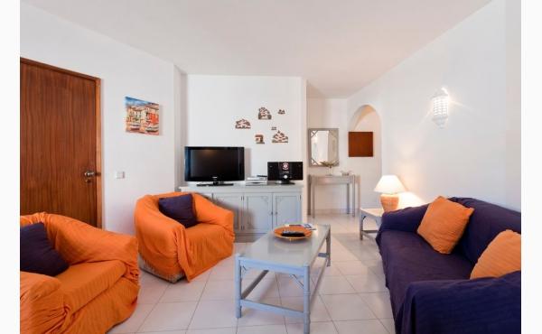 Wohnzimmer / Livingroom
